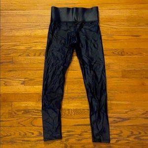 Carbon 38 high waisted black leggings